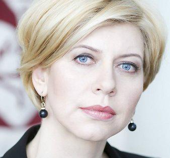 Ministra birojs, Anda Čakša